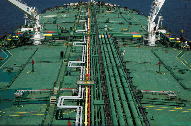 Oil jumps 4% on fears Suez Canal blockage may last weeks 1