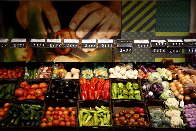 Coronavirus costs climb as Europe's farmers seek seasonal workers 1