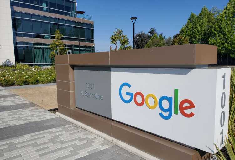 Facebook, Google fight bill that would help U.S. news industry 4