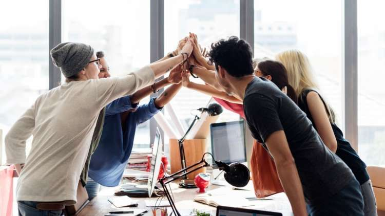 Acknowledgement and personal recognition: How to humanise the workplace in 4 easy ways