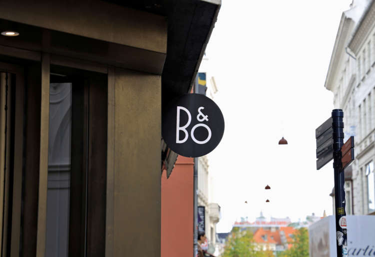 Bang & Olufsen's quarterly sales up 14%, keeps guidance 1