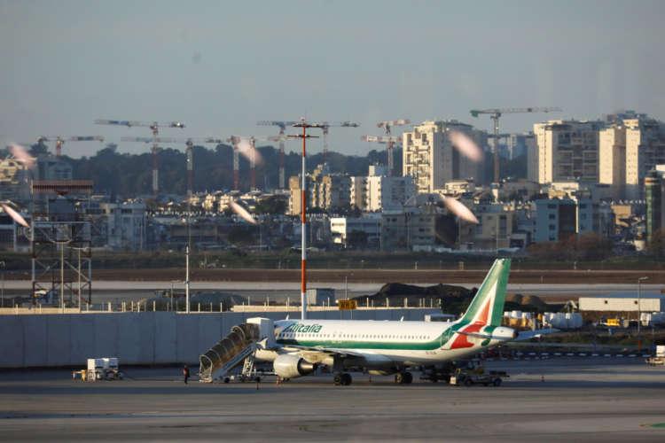 Next week crucial for Italy, EU talks over Alitalia - minister