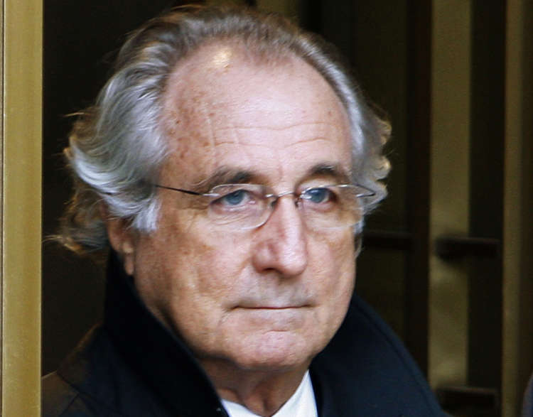 Bernie Madoff, disgraced Ponzi schemer, dies at 82 19