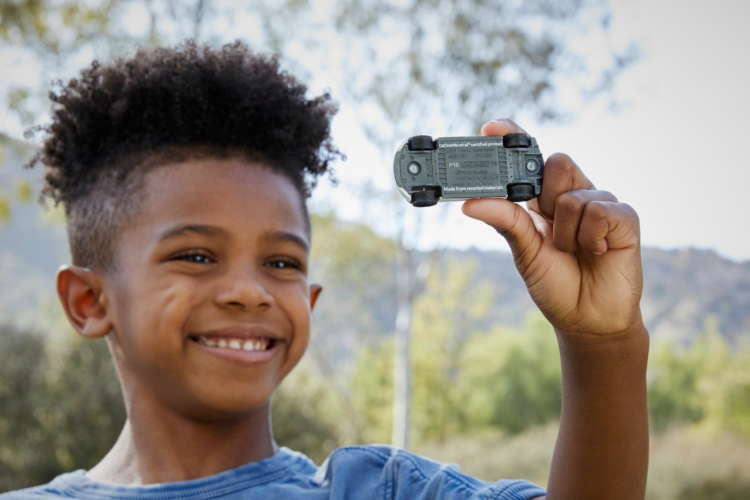 Toy cars get eco makeover to inspire children 8