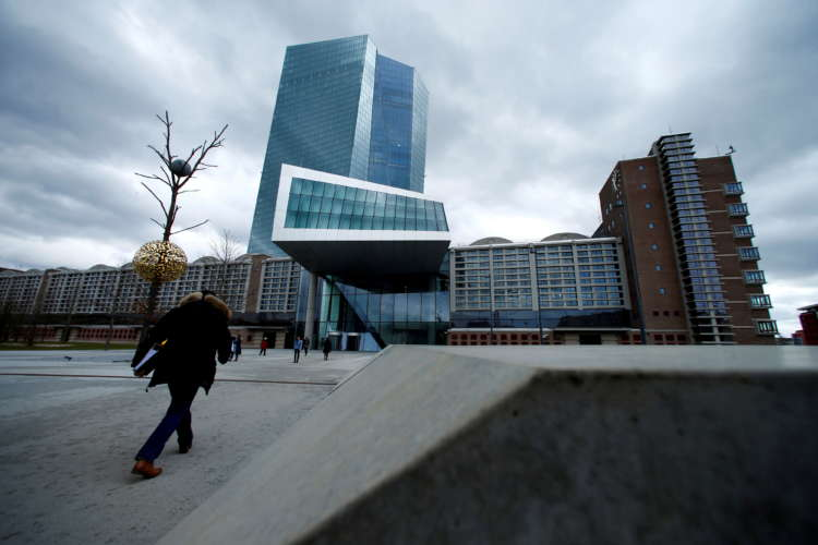 Euro zone current account surplus narrows in Feb 1