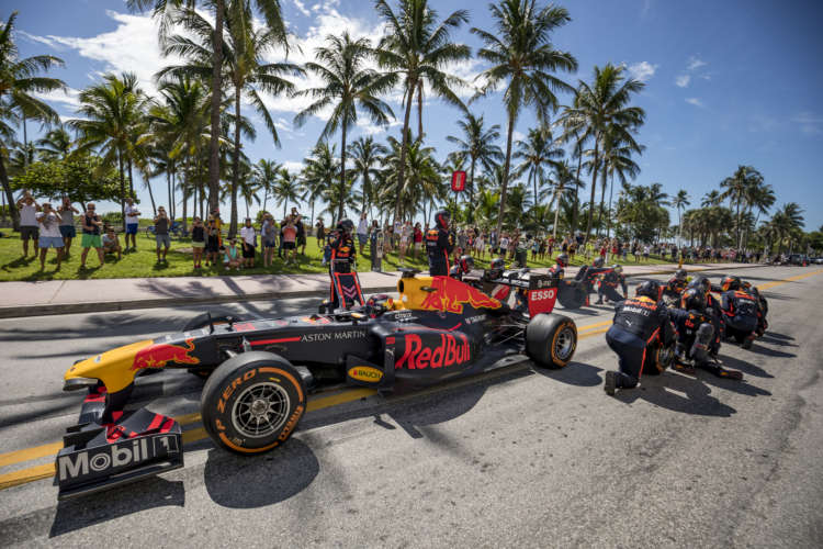 Verstappen and Pérez share thoughts on new Miami GP in 2022 1