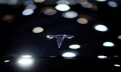 Tesla apologizes after customer protested at autoshow, to share car data with Chinese regulator 3