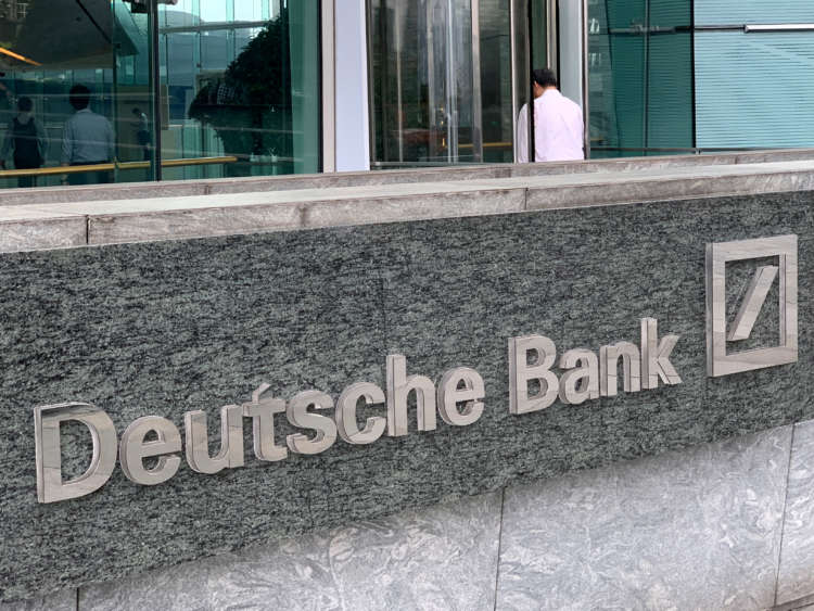 Deutsche Bank outshines Wall St rivals with best quarter since 2014 2
