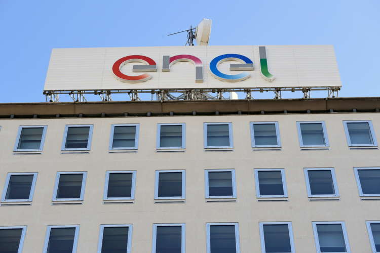 Italy's Enel approves Open Fiber sale to state investor CDP, Macquarie 2