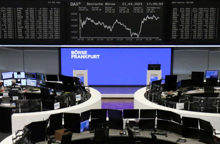Earnings support European stocks ahead of GDP data
