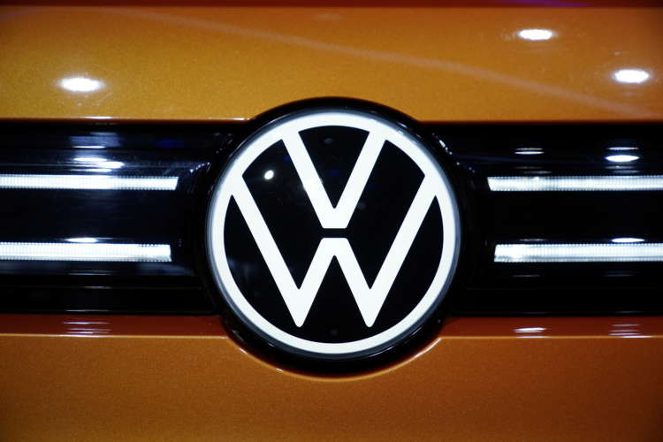 Exclusive-Volkswagen mulls board change that could see labour chief move on - sources