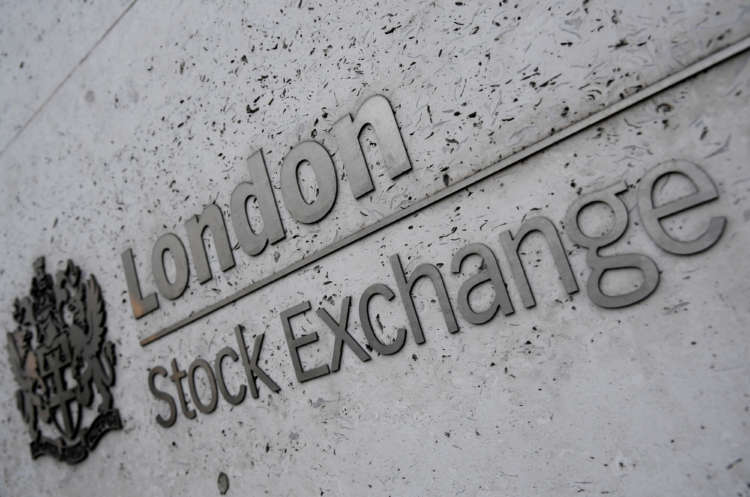 FTSE 100 ends second week higher on higher commodity prices, rebound bets