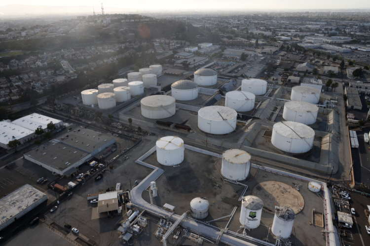 Oil edges lower on mixed supply and demand outlook