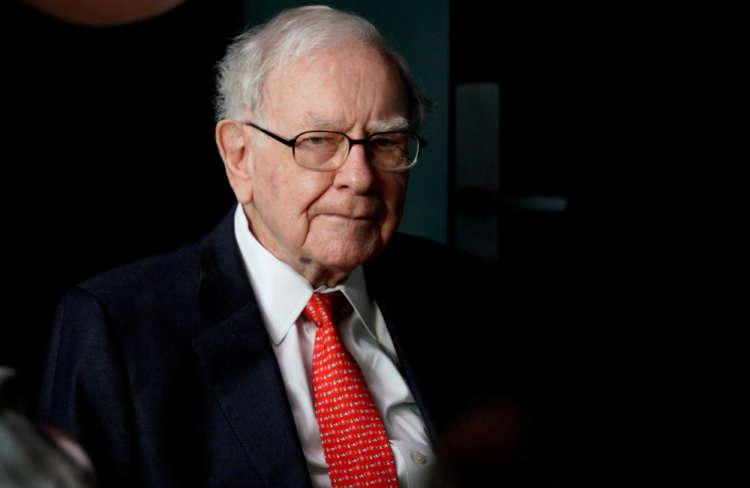 Analysis-Headwinds facing Buffett's Berkshire Hathaway have some investors fretting 1