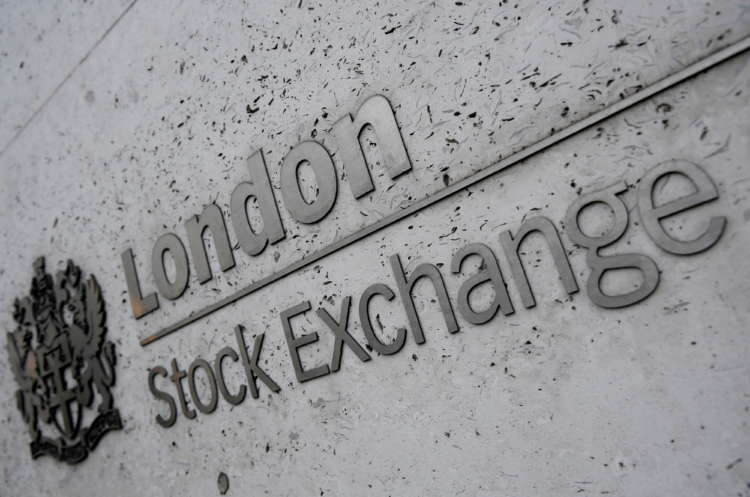 Burberry, commodity stocks drag FTSE 100 to over 5-week low; inflation worries linger