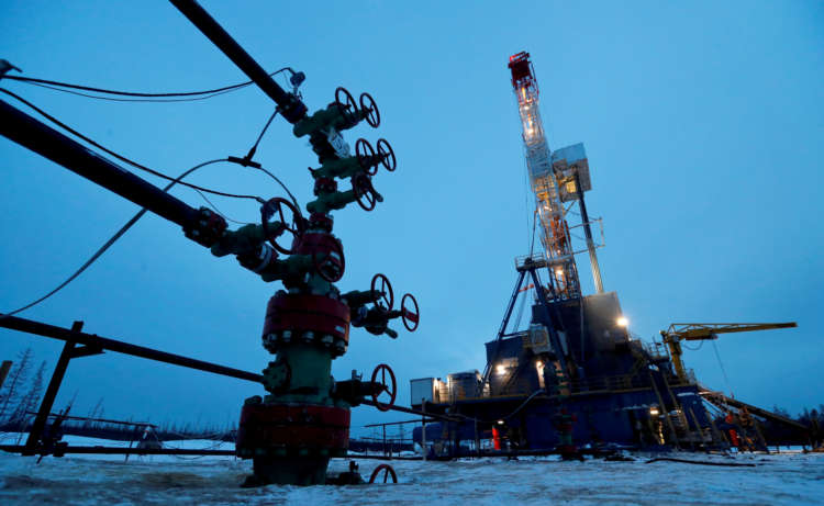 Oil climbs on solid demand outlook as market awaits fresh cues