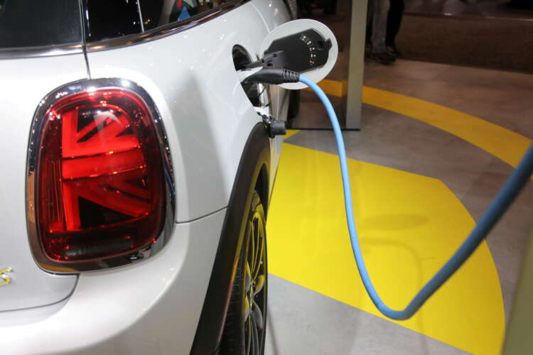 Exclusive: Biden's electric vehicle plan includes battery recycling push 1
