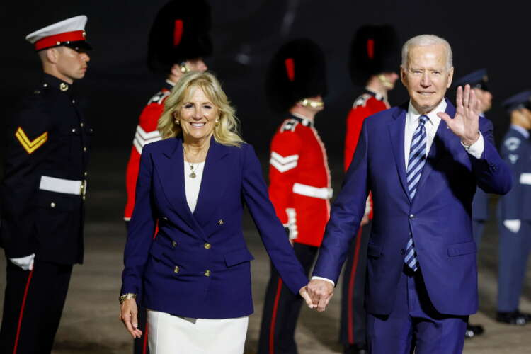 Biden warns Britain: Don't imperil N.Irish peace 1