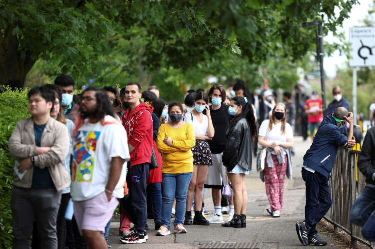 UK records 9,055 new COVID-19 cases, highest since February 1