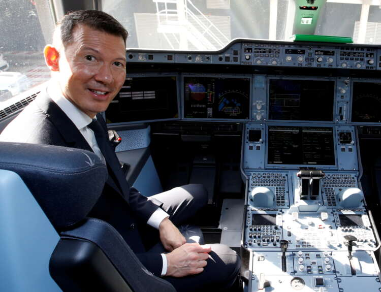 Air France and Wizz CEOs spar over airline regulation 1
