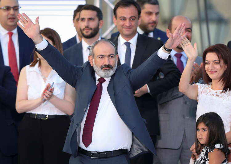Acting Armenian PM holds power, cements authority despite military defeat 1