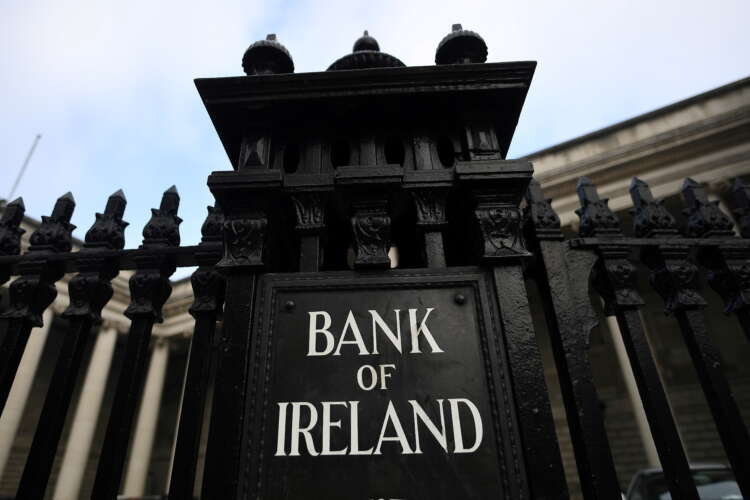 Irish government to begin phased exit from Bank of Ireland holding 1