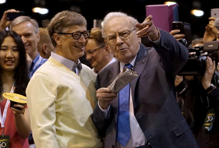 Warren Buffett resigns from Gates Foundation, has donated half his fortune 1
