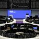 European shares set longest winning streak since 2019 on recovery optimism