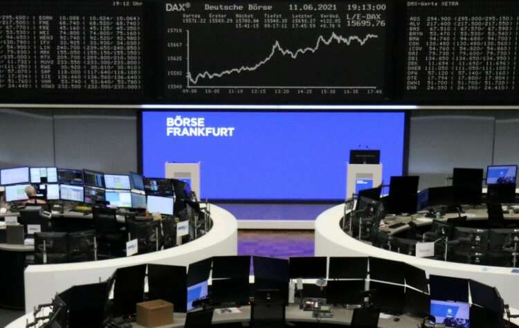 Economic recovery hopes power European shares to record high