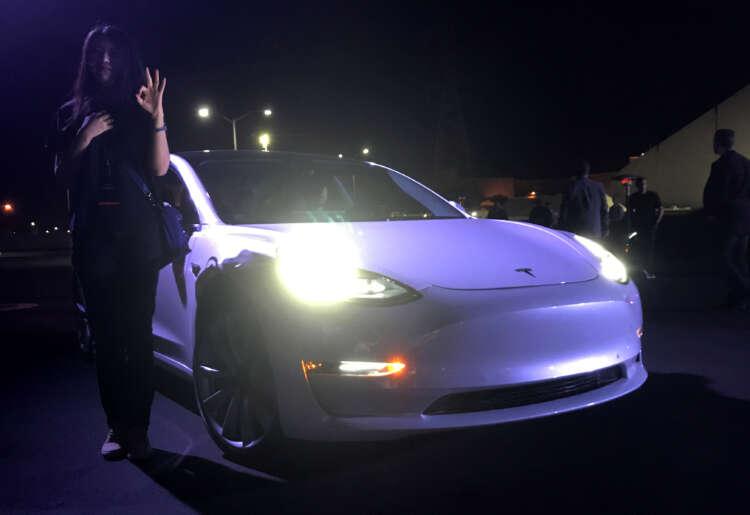 Tesla Q2 deliveries meet analysts' estimates despite chip shortage, shares gain 1