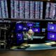 Global bond fund inflows fall on inflation worries- Lipper 2