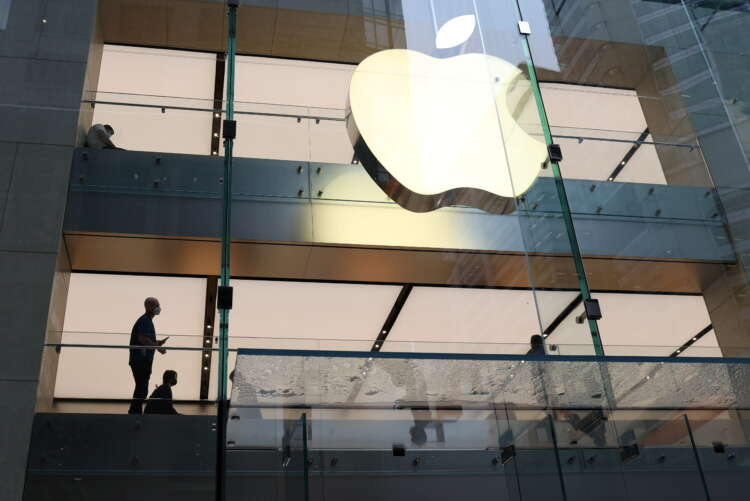 Apple says chip shortage reaches iPhone, growth forecast slows 1