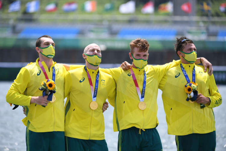 Olympics-Rowing-Britain's golden run in men's four ends, Australia triumphs 1