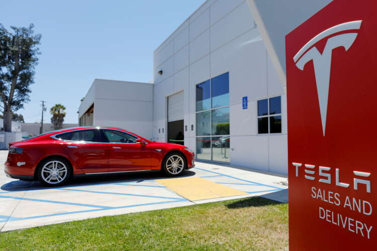 Analysis-Tesla hikes electric car prices in U.S.; holds line in China 1