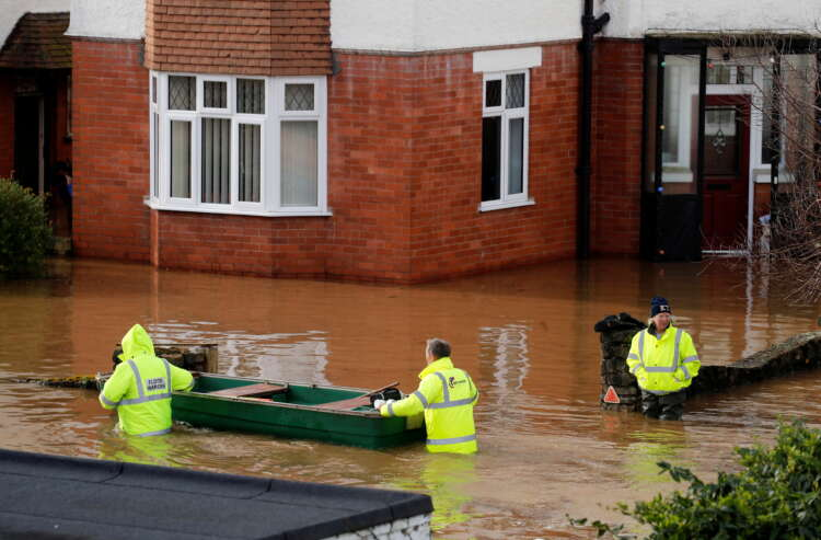 Britain's climate getting warmer, sunnier and wetter - Met Office 1
