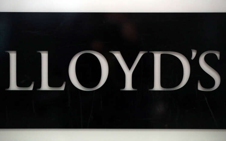 Lloyd's of London plans electric vehicle, hydrogen insurance in climate change fight 1