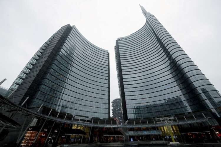 UniCredit chief upbeat on Monte dei Paschi deal as takeover talks start 3