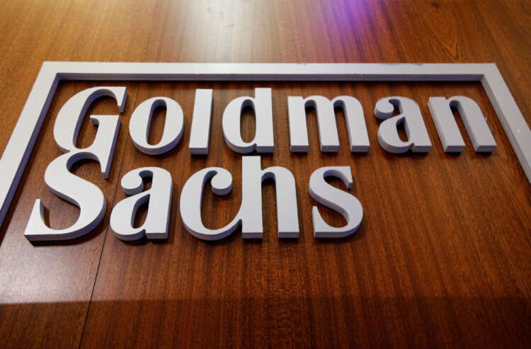 Goldman Sachs to raise pay for junior investment bankers - Business Insider 1