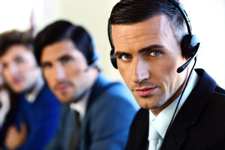 All eyes on the contact centre: how banks can get customer experiences right with IT visibility 1