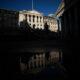 Bank of England names former Goldman economist Pill to top economics role 2