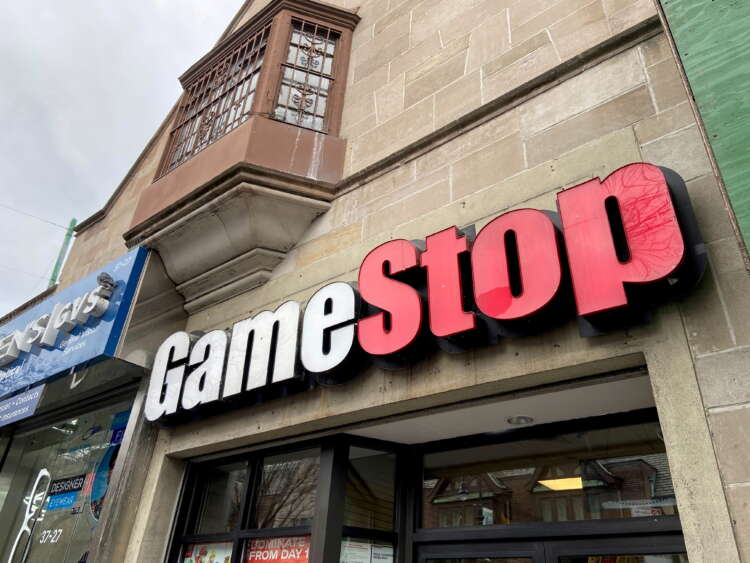 With GameStop earnings on tap, options traders bet on muted moves 1