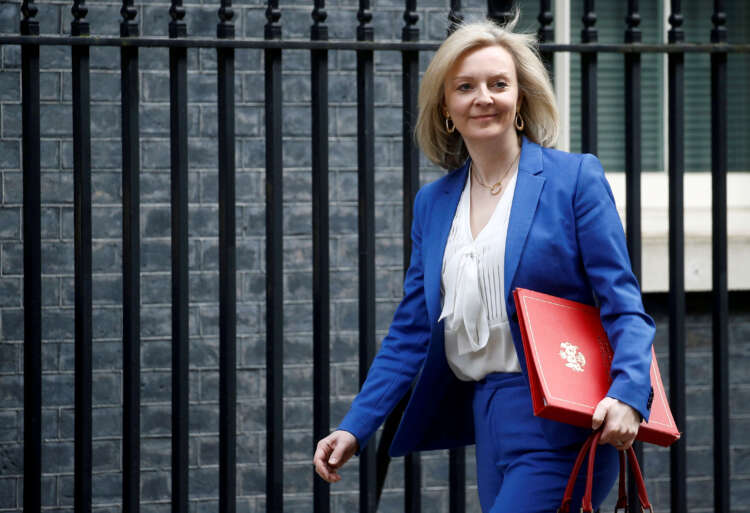 UK tells U.S.: We're ready to start trade talks when you are 1