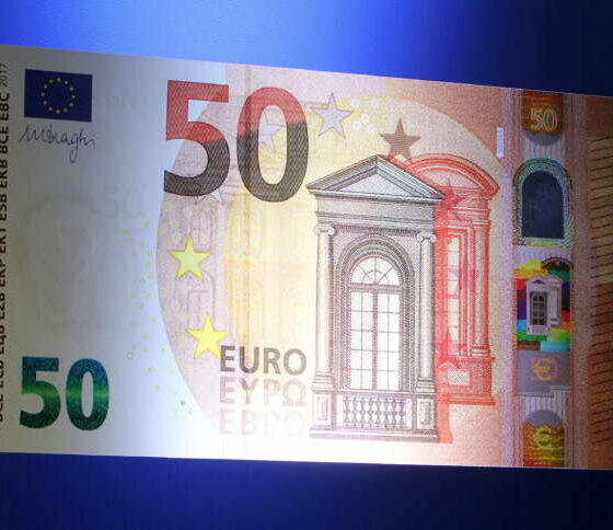 Financial industry urges EU to extend euro swaps clearing in London 2