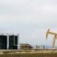 Oil dips as U.S. storm-hit supply makes slow return 4