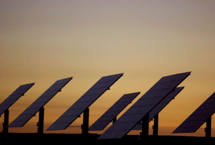 Exclusive-Iberdrola and Prosolia plan $1 billion solar spree in Iberia 1