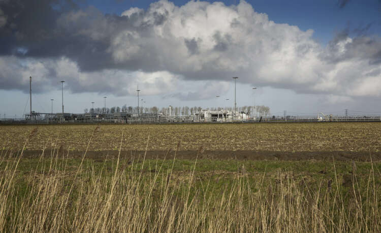 Dutch confirm plan to end gas production at Groningen next year 1