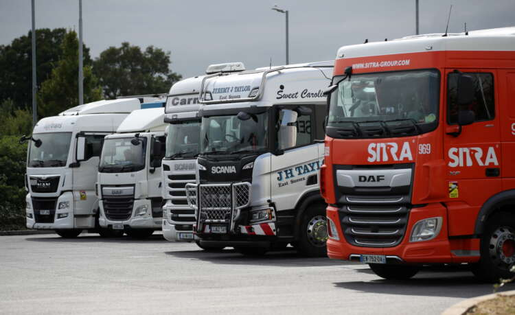 Long queues and fuel rationing as Britain faces truck driver shortage 1