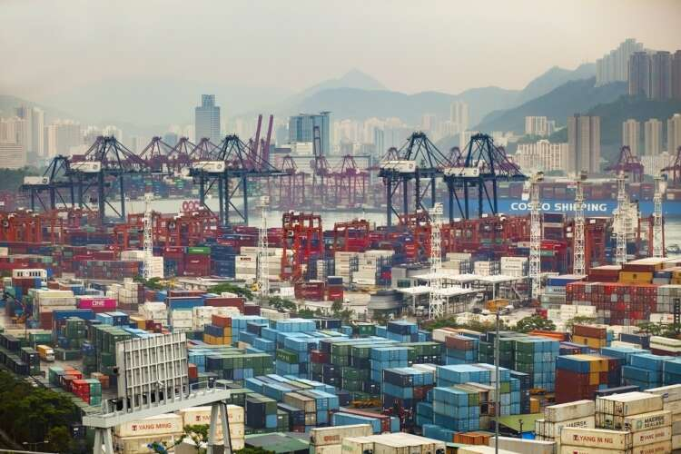 How can companies obtain trade credits through Sinosure when importing goods from China? 1
