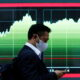 Asian shares advance on earnings optimism, yen slips to 4-yr low 2