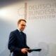 Analysis-Exit of ECB's Weidmann, decade of economic change shows hawk as endangered species 2